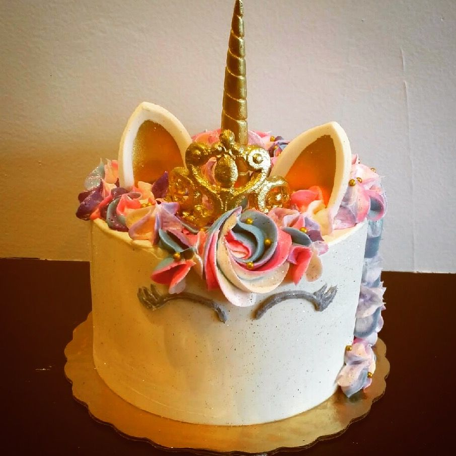 Unicorn Cake With Princess Crown Cakes Party First Birthday Parties