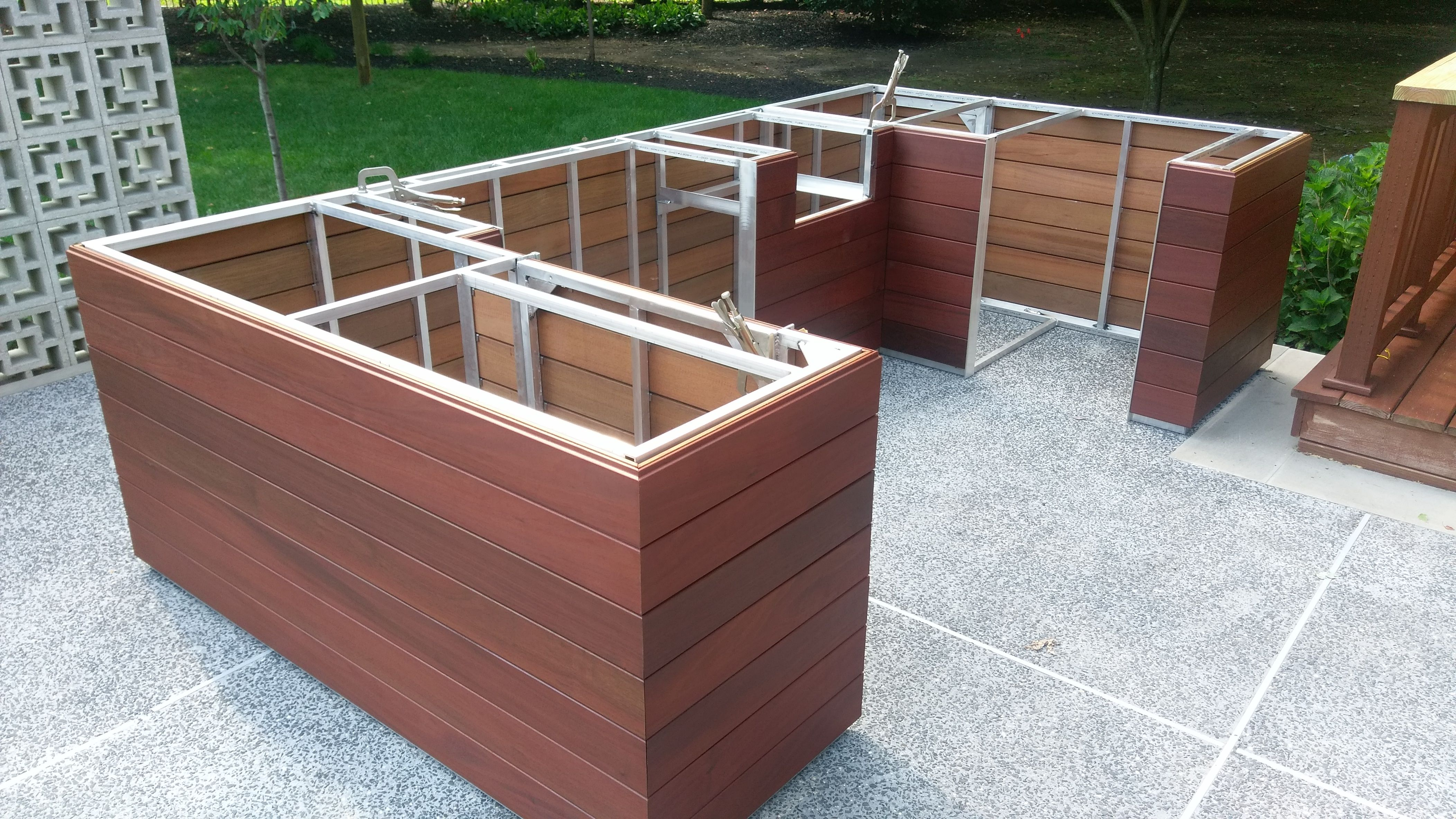 Welded aluminum outdoor kitchen frame, incorporates gas ...