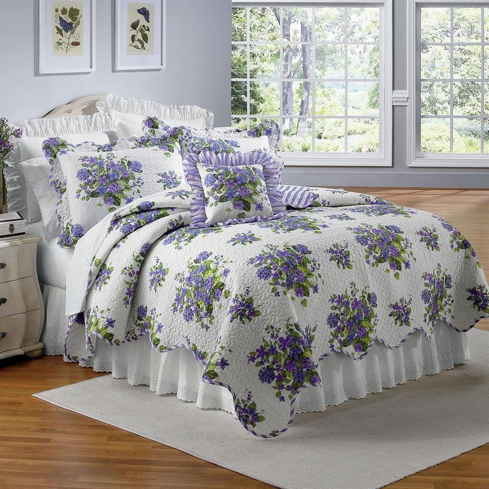 BEAUTIFUL LAVENDER PURPLE VIOLETS FLORAL FULL/QUEEN SIZE QUILT BED