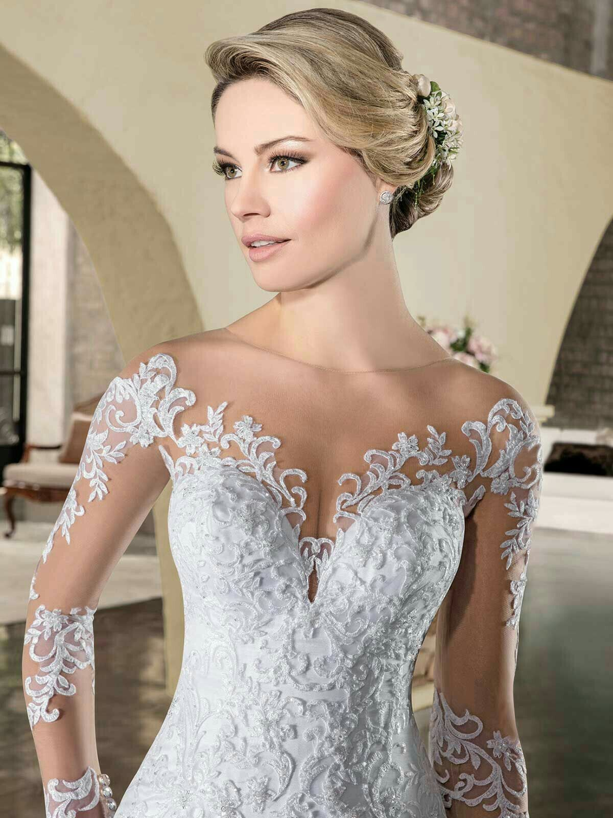 Blinged out wedding dress  Pin by Lucy Andaluciana on Wedding gown  Pinterest  Wedding