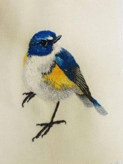Всем привет у меня подобралась целая коллекция вышитых(и не только)птичек.