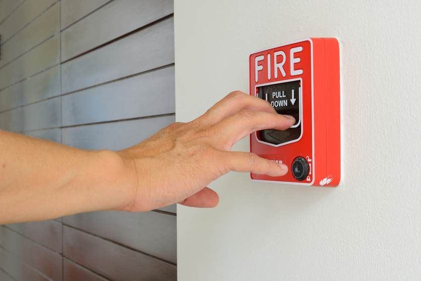 Tips To Get Out Of A Burning Building Alive Fire Safety Tips