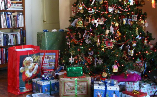 christmas presents under the tree | presents under the tree | My ...