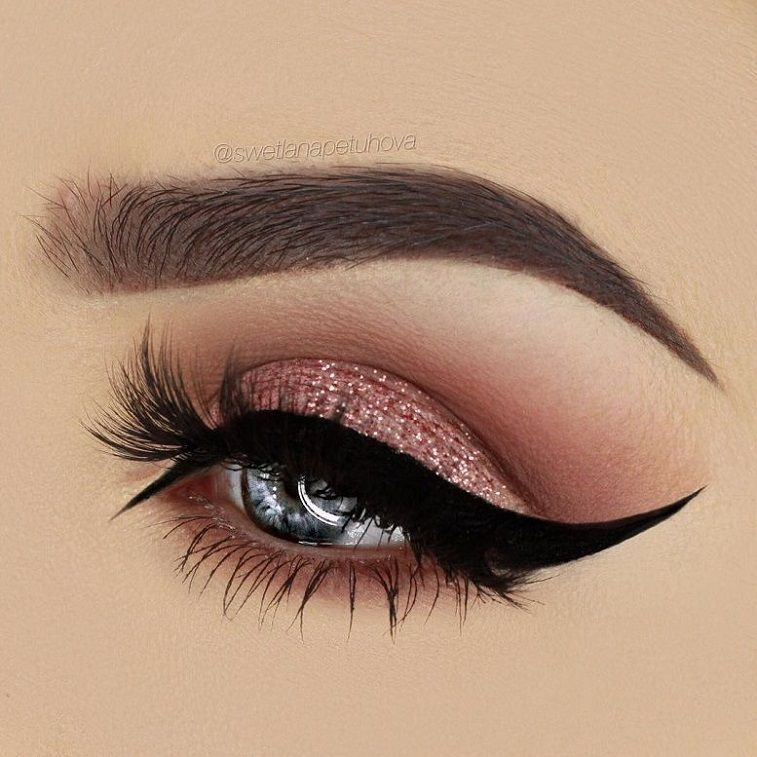 77 Gorgeous Eye Makeup For an Impressive Look Give Your Eyes Some Serious Pop - eye shadow ,gold eye makeup ,pink and red glitter cut crease brows dipbrow in dark brown #beauty #makeup #eyemakeup