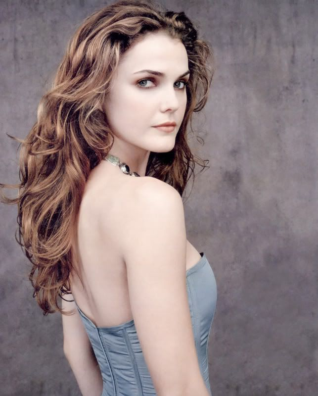 Keri Russell. My curl idol. My hair will be this long in the next year... God willing I don't get impatient and chop it all off again.
