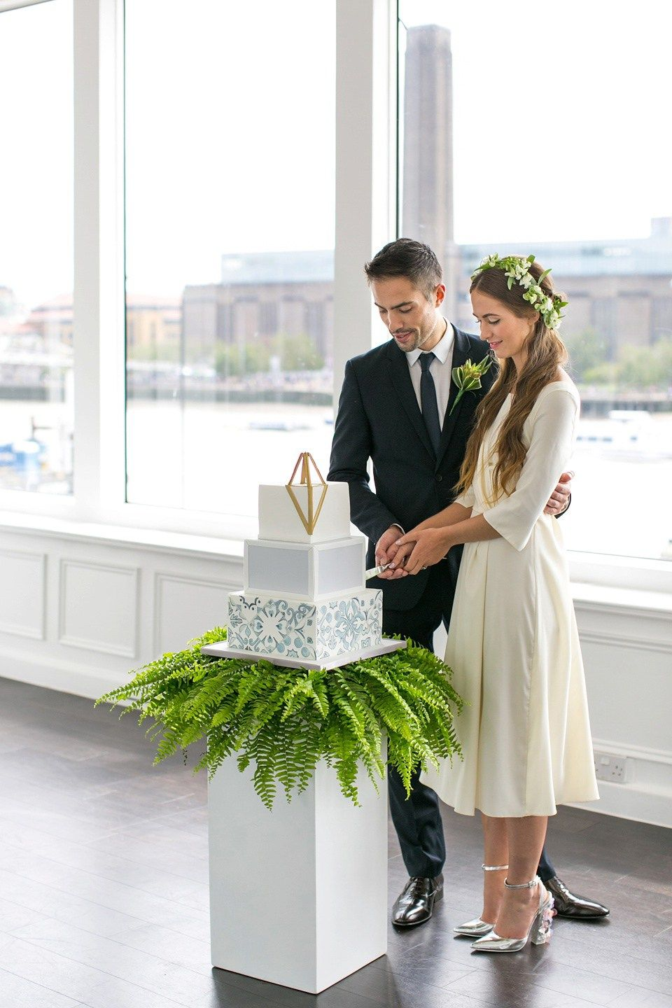 City-chic Style, Modern and Contemporary Wedding Inspiration at The River Rooms London