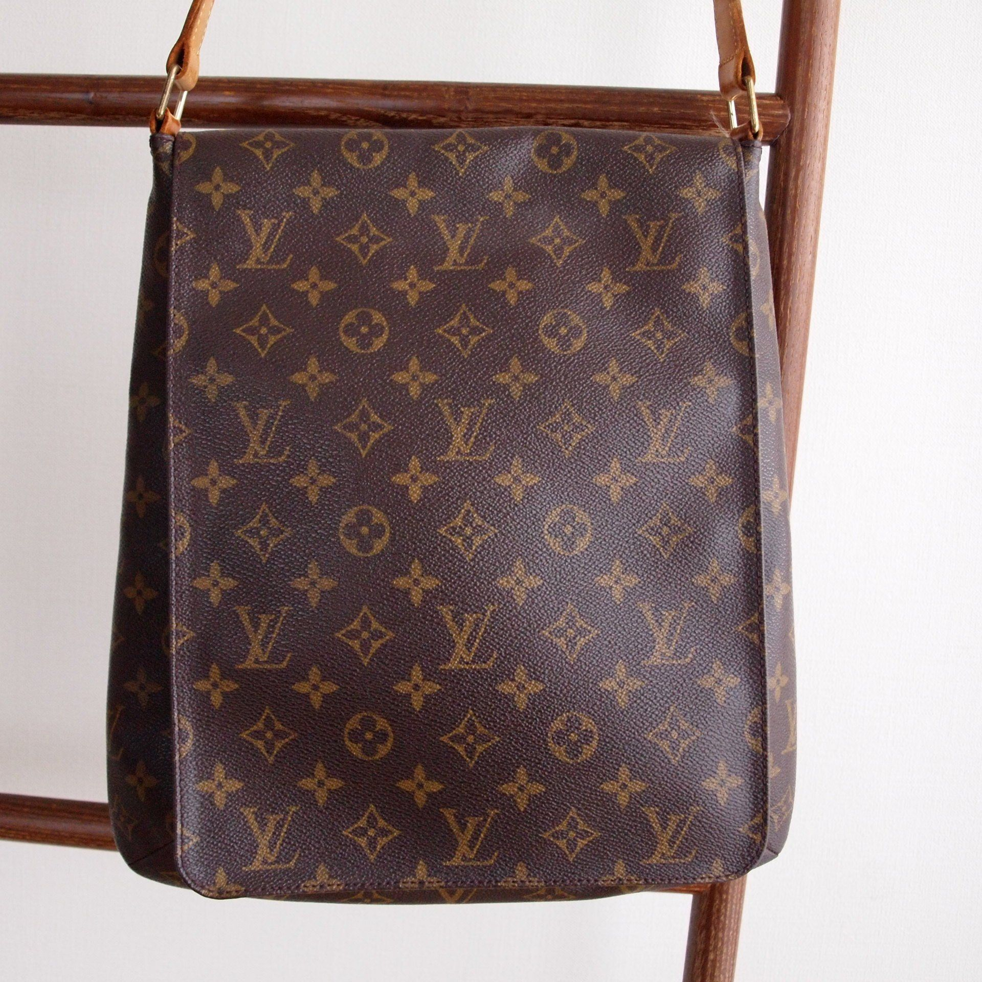 Authentic Louis Vuitton Musette Salsa Brown Monogram Canvas Louis Vuitton Authentic Louis Vuitton Canvas Shoulder Bag