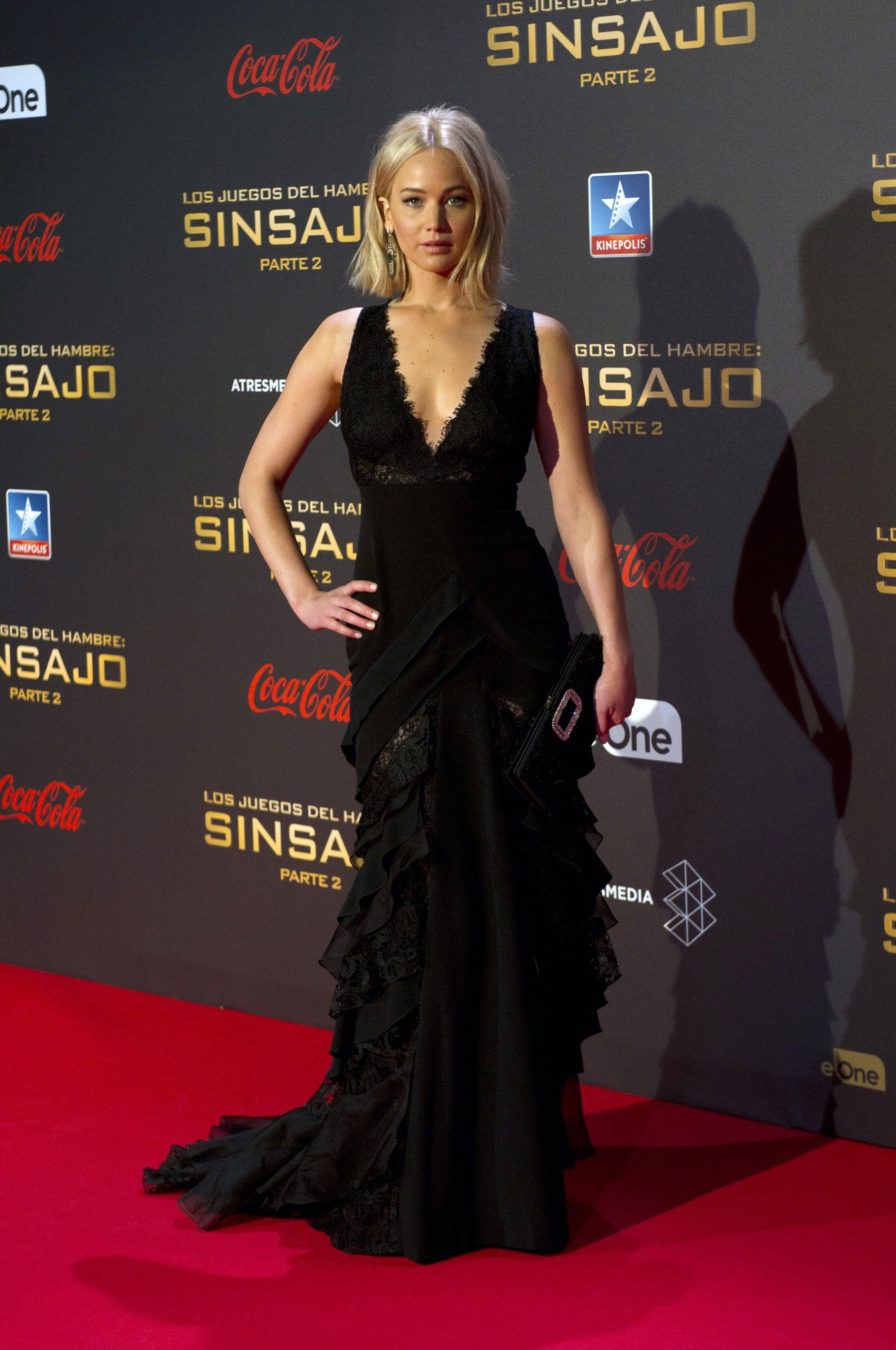 Jennifer Lawrence Rocks A Sheer Dress On The Red Carpet Jennifer Lawrence Style Red Carpet Dresses Black Lace Gown [ 3478 x 2310 Pixel ]