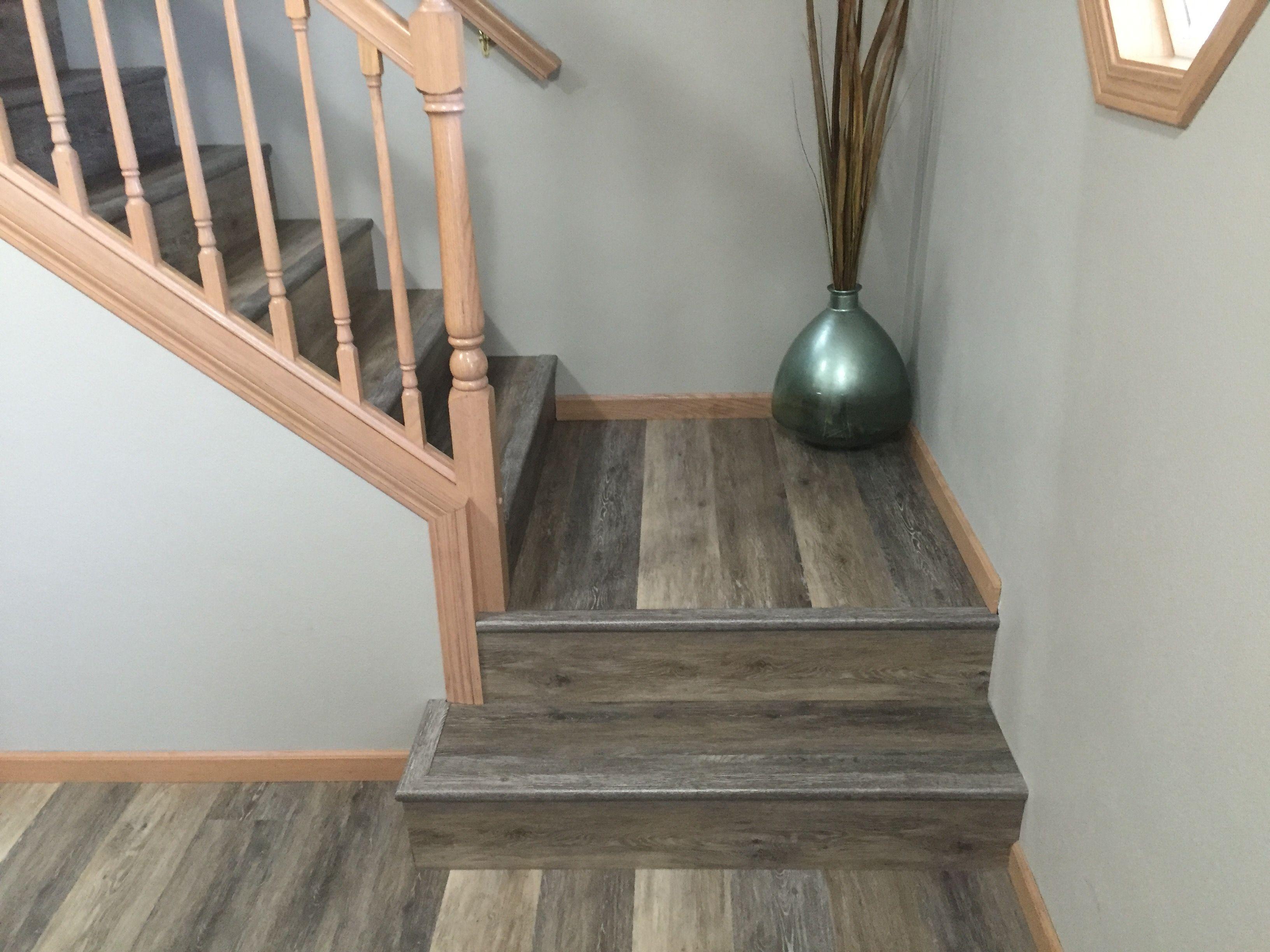 Blackstone Oak Stair Nose Overlap Oak Stairs Stairs Coretec
