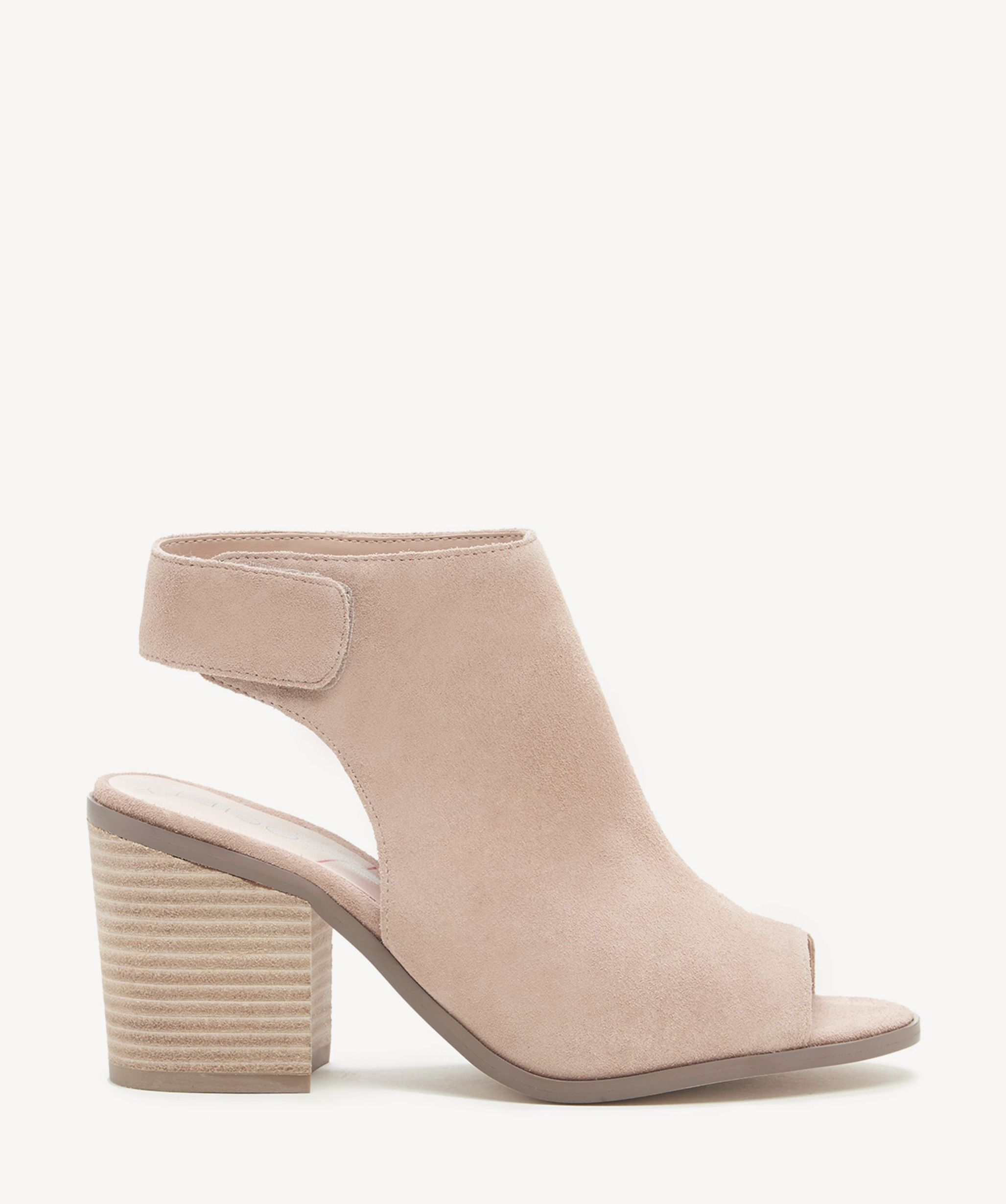 0887cce3323 Sole Society Jagger Block Heels Sandals Caramel