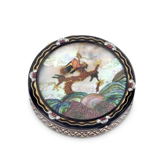 Cartier Gem-Set and Diamond 'Chinoiserie' Compact, scene signed Markovsky, circa 1929, signed Cartier Paris Londres New York, French assay marks for 18k Gold. Symbolic & Chase – Booth 4324. Original Miami Beach
