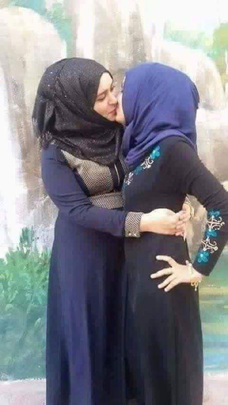 Arabic teen lesbian — photo 4