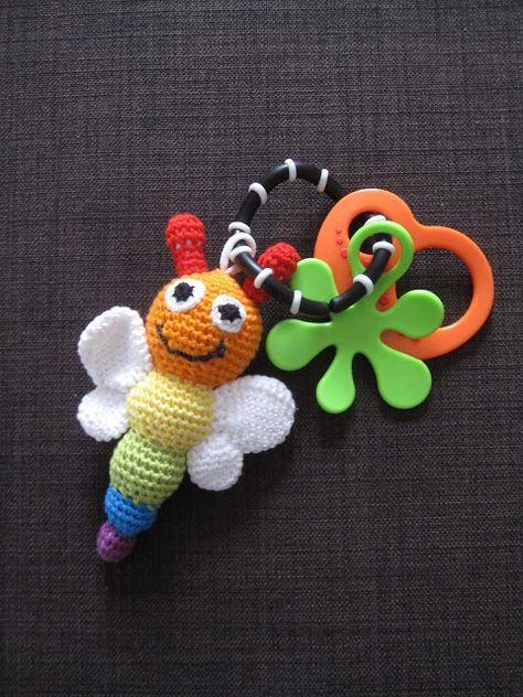 Sachen selber machen: gehäkelte Schmetterlingsrassel in ...
