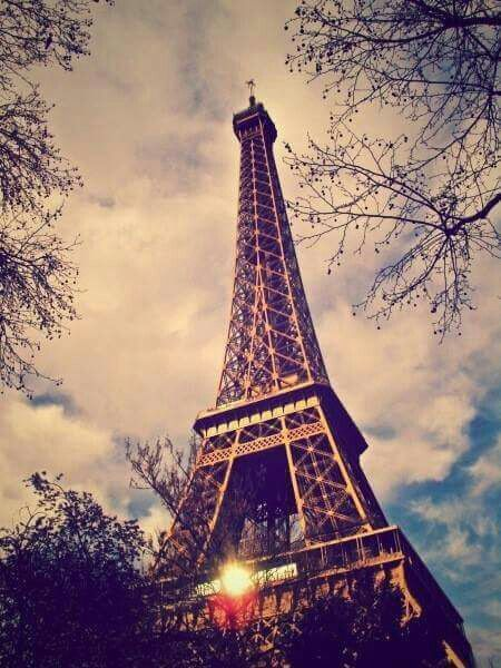 Pin By Aya Ahmed On صور برج ايفيل Tower Eiffel Tower Eiffel Tower Art