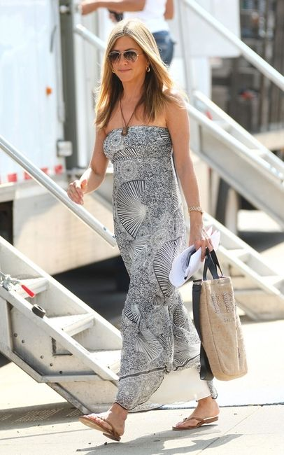 56ab1dda88a Jennifer Aniston in TKEES flip flops and a maxi dress.  Tkees are  50 pair  at Perch