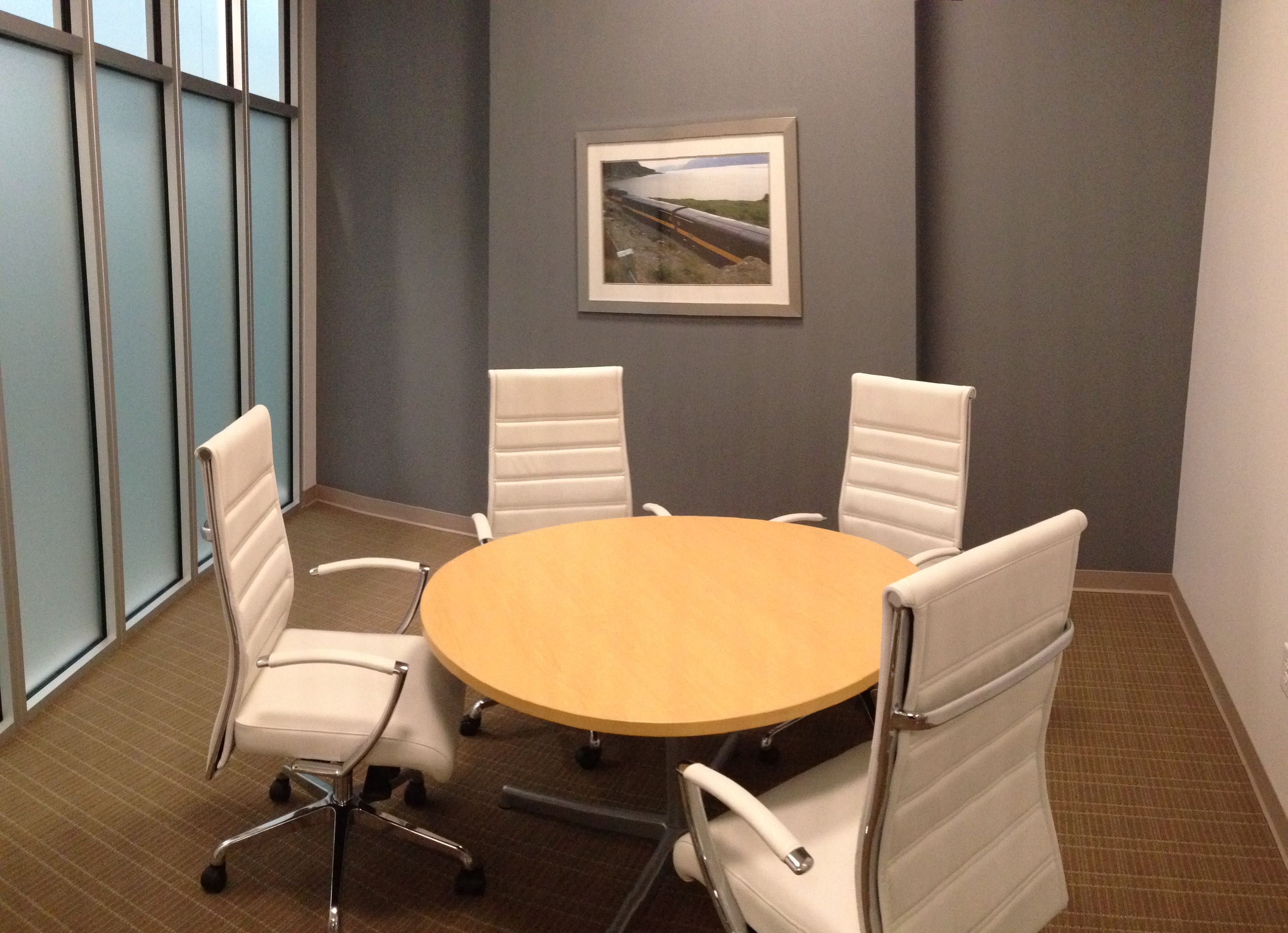 Small conference room interior projects cda architects for Meeting room interior design ideas