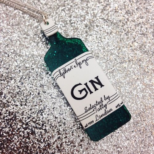 We're starting our #NYE party early with our Gilbert & George Gin Necklace. Now where's the tonic? Cheers!