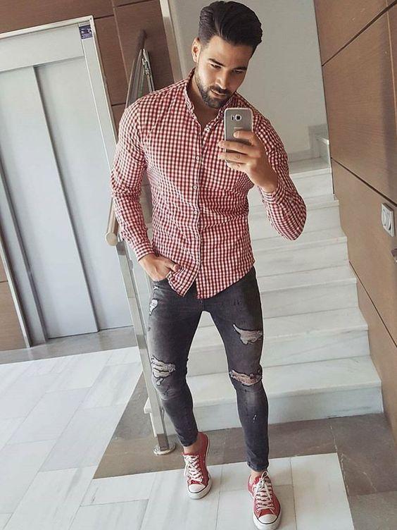 Chemise à carreaux rouges jean gris foncé destroy   Look   Mode ... ba89ffe94cf3