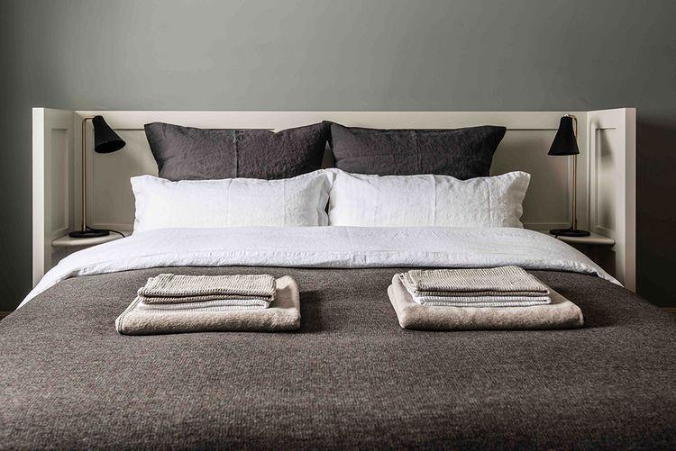 Sänggavel för händiga (eller folk med slantar kvar av ROT-avdraget …)
