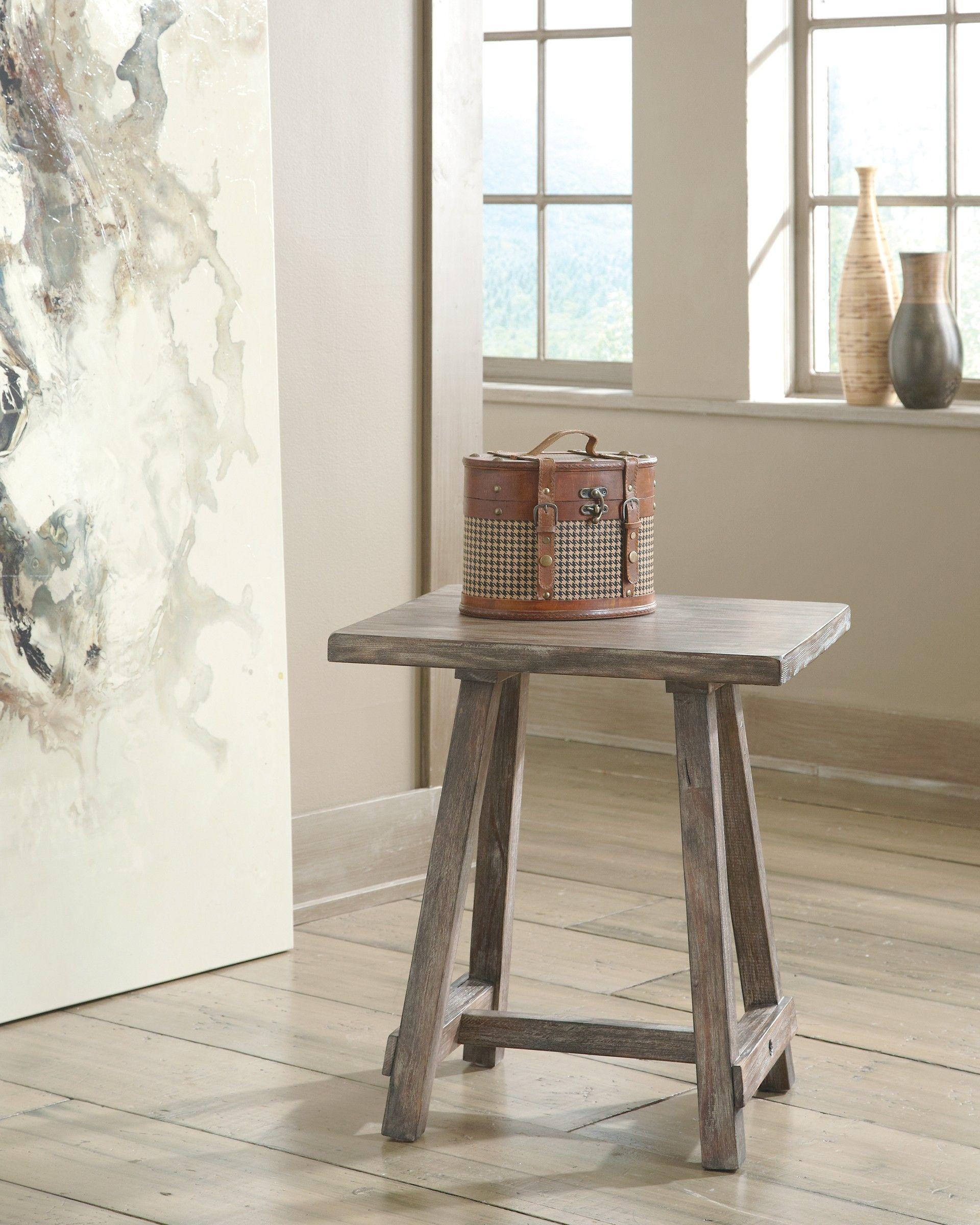 Ashley Vennilux T500 502 Signature Design Chair Side End Table End Tables Chair Side Table Ashley Furniture [ 2400 x 1920 Pixel ]