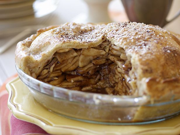 Tyler Florence's Caramel Apple Pie -- This can't suck!
