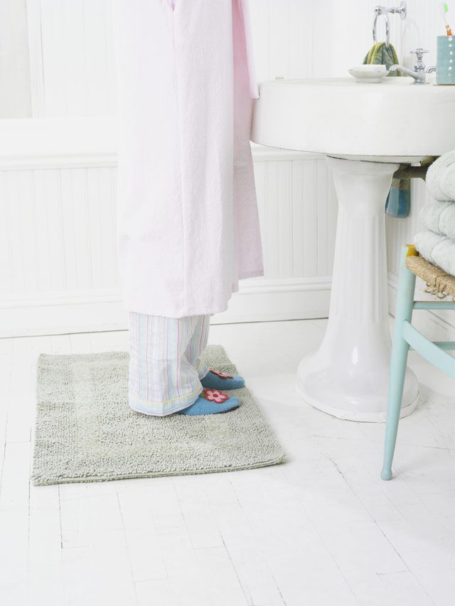 How To Remove Yellow Discoloration From Vinyl Flooring Bathroom