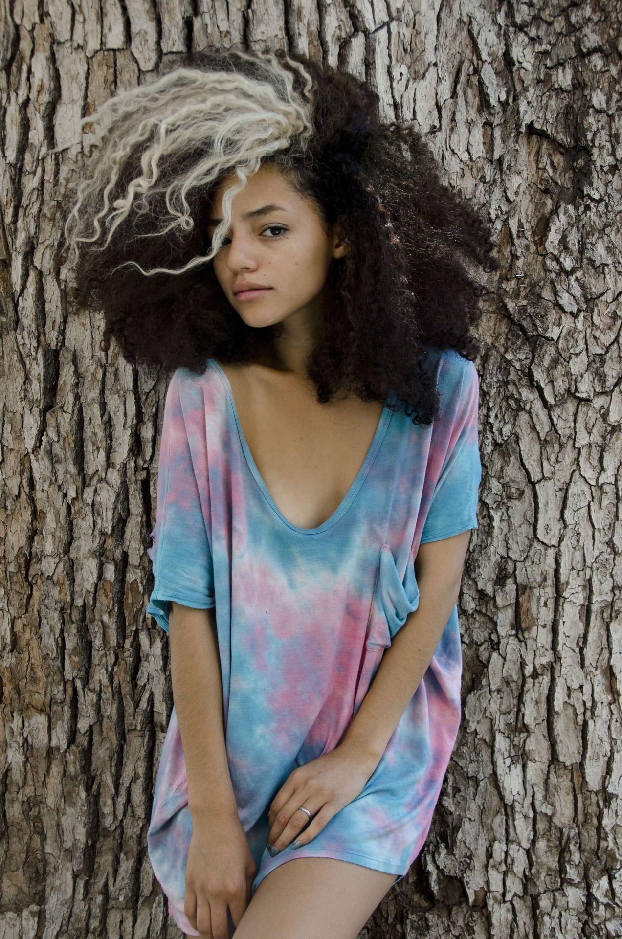 Beautifful Curls Todaylookslike Natural Hair Styles Grey Hair Streak Hair Streaks