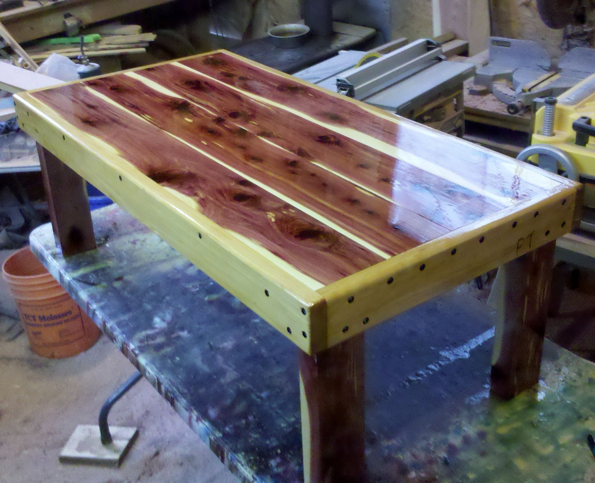 Merveilleux Cedar Coffee Table... Would Be Nice On Porch. Cedar Wood, Red