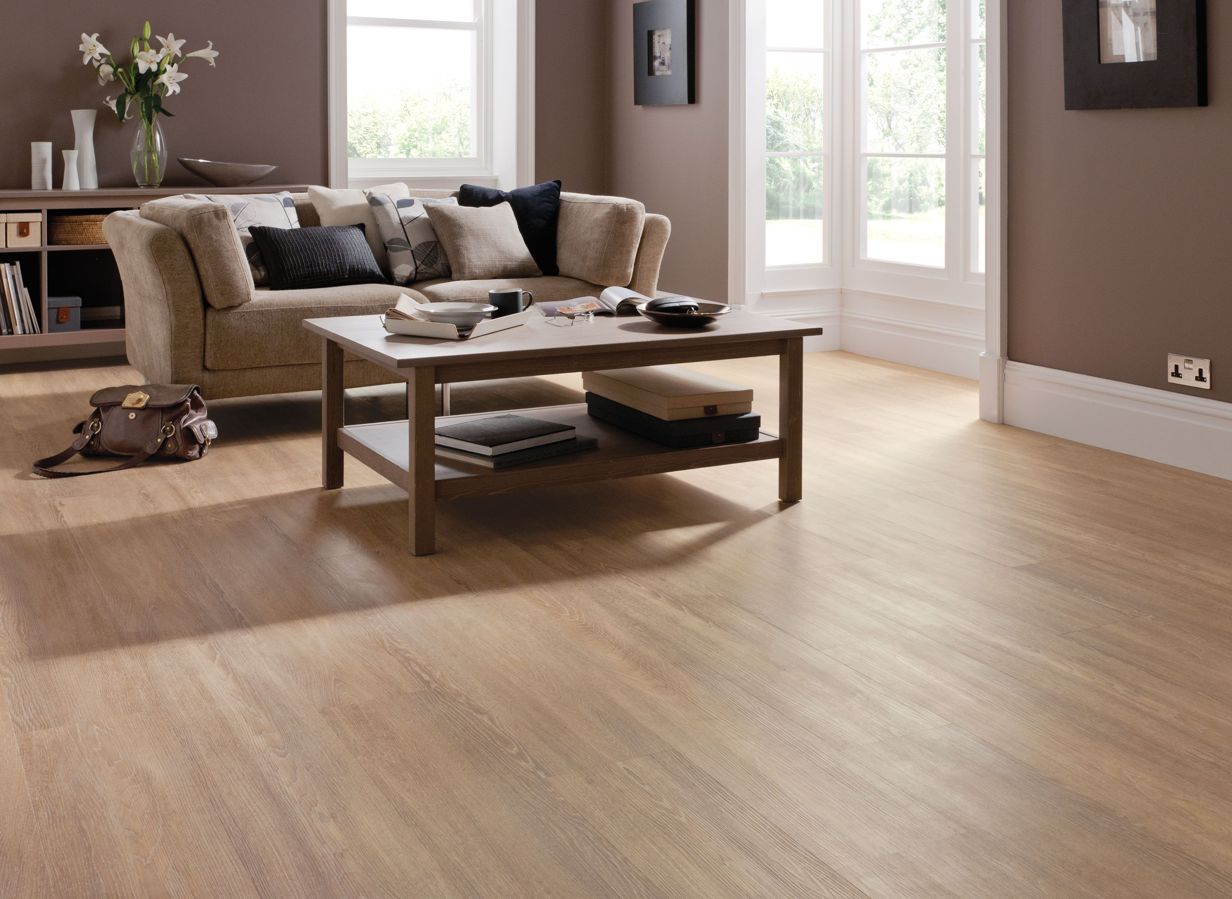 Click oak floor dark engineered but looks good floors