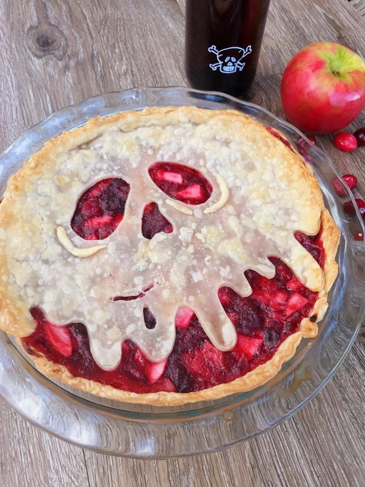 Poison Apple Pie Mixed berry pie, Apple cranberry pie