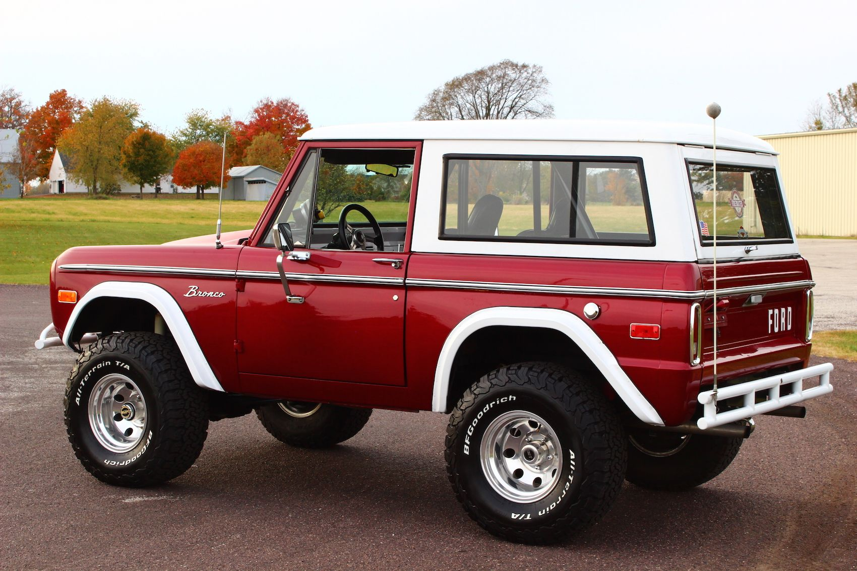 Classic 76 Red Bronco With Hardtop Ford Bronco Bronco Ford Trucks