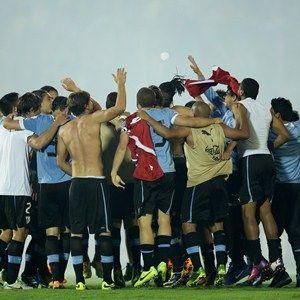 The team of Uruguay celebrates