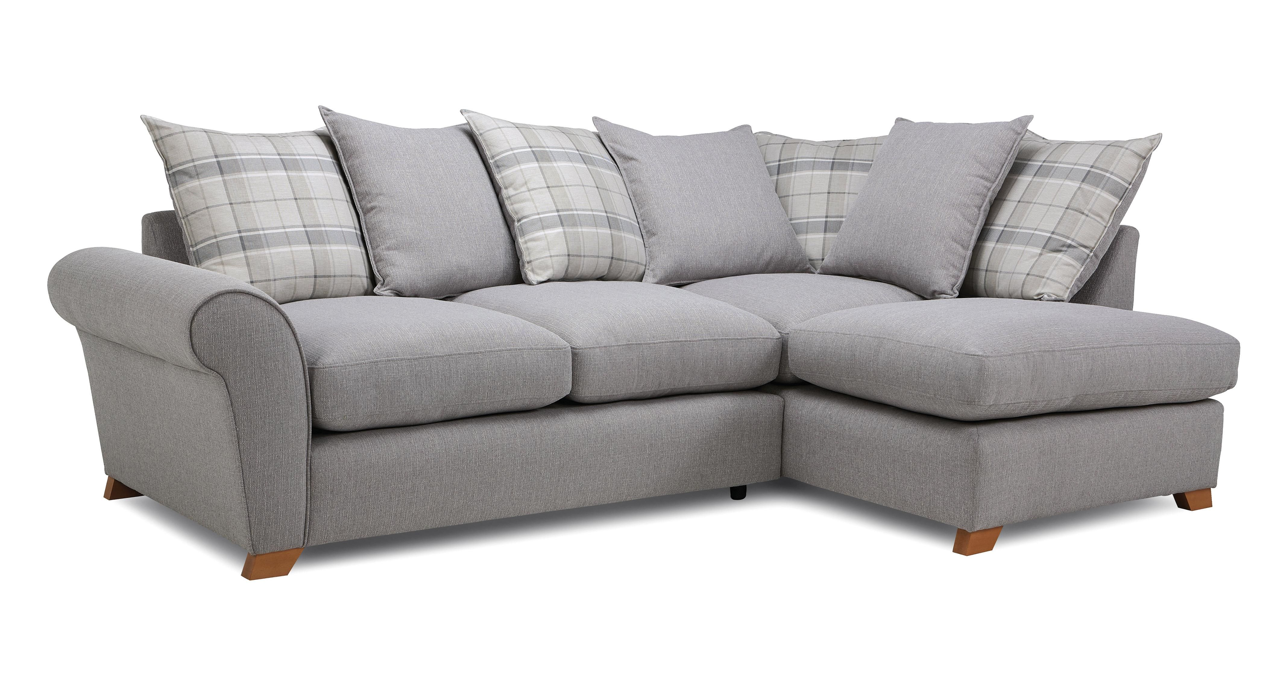 Completing corner sofas with throw pillows Grey corner