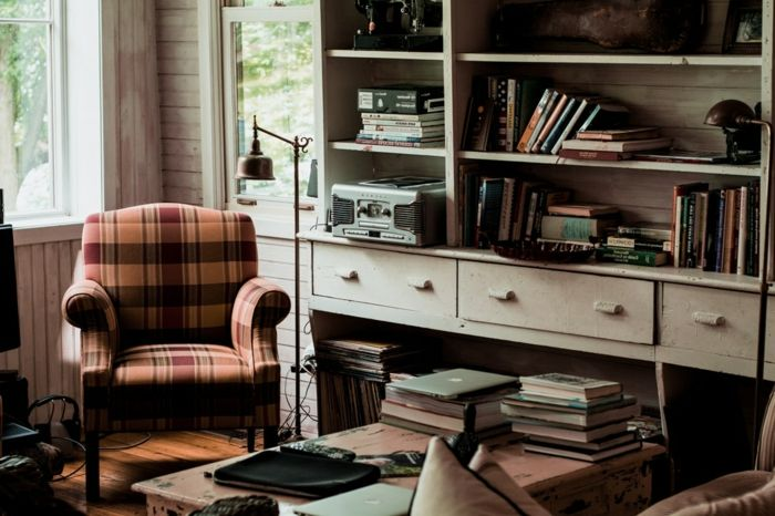 vintage Wohnwand zusammenstellen, mit vielen Platz für Bücher in der