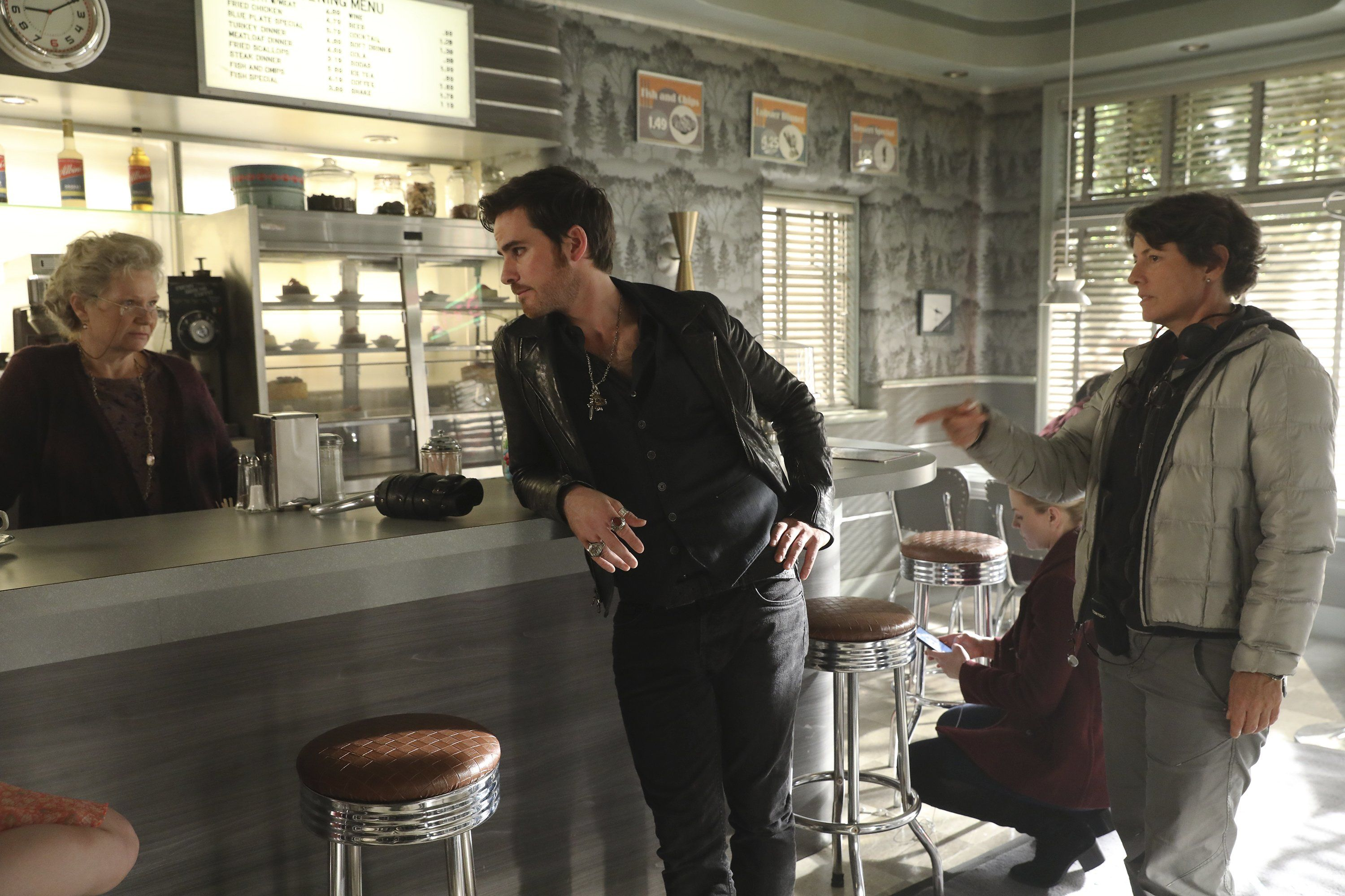 """Beverly, Colin O'Donoghue and Jennifer Morrison - Behind the scenes - 6 * 9 """"Changlings"""""""