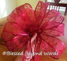 how to make a large bow tutorial blessed beyond words christmas bowshow