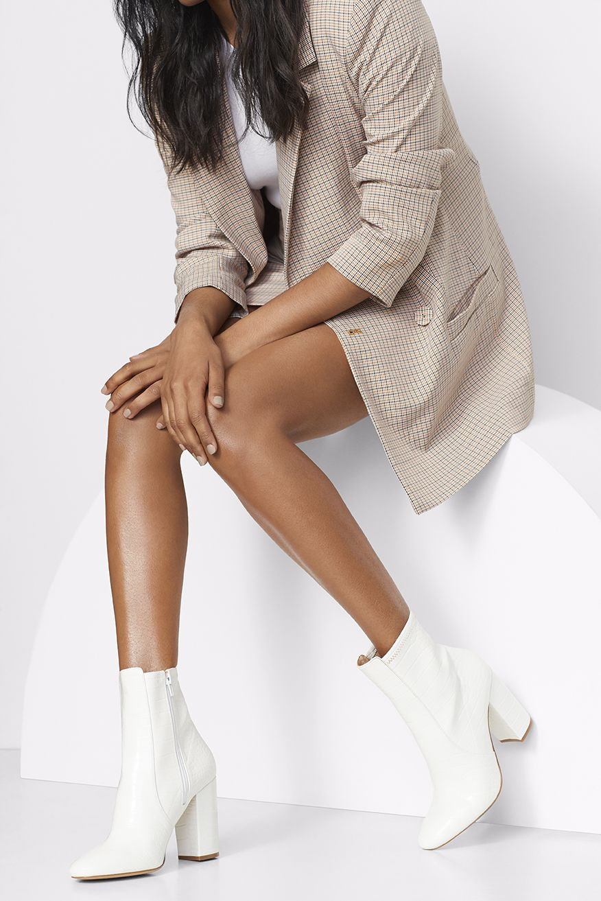 White boots outfit, White ankle boots