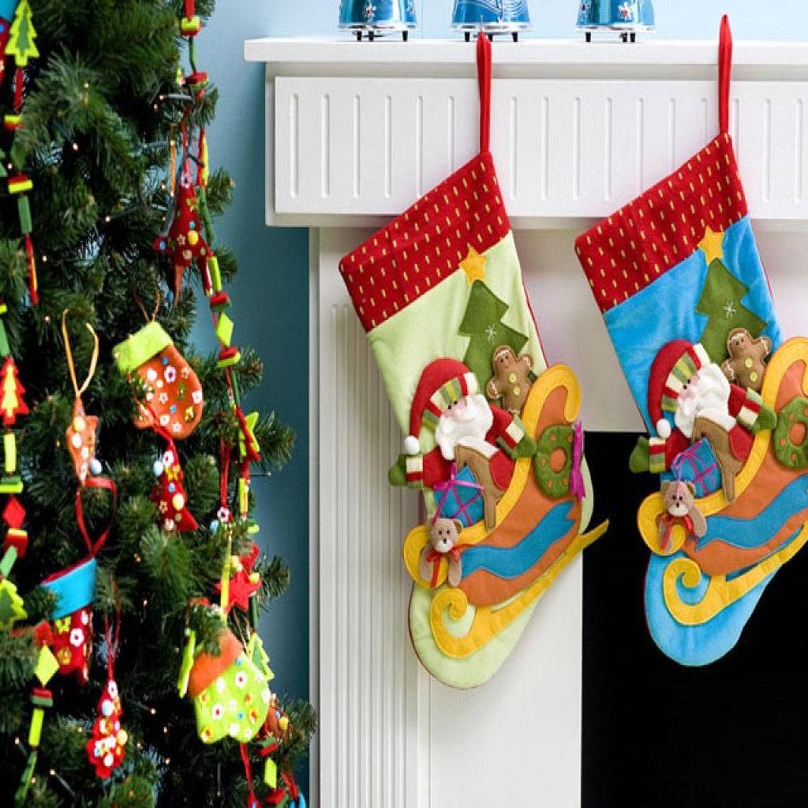 ? Christmas colors ?