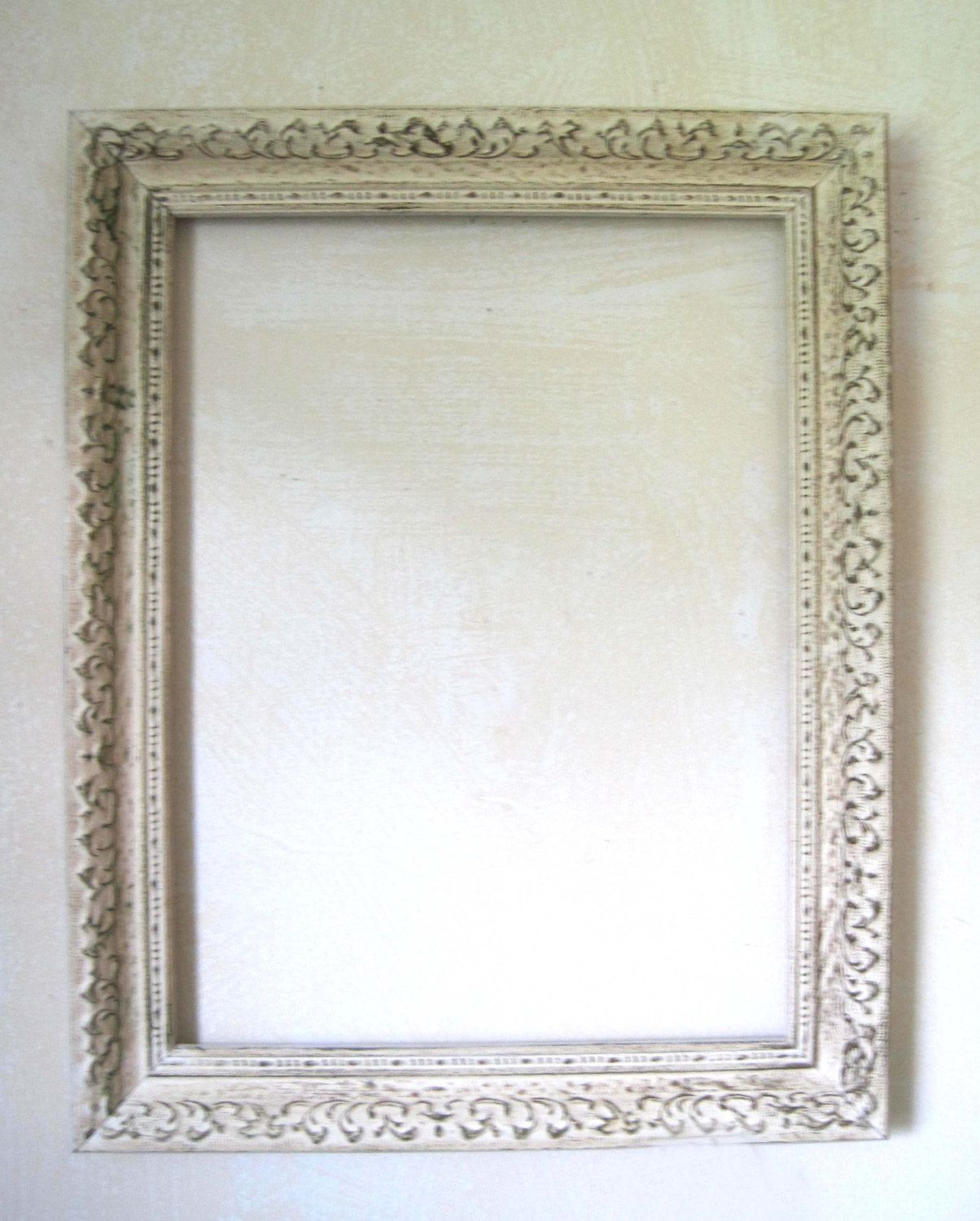 Vintage Frame Boho Distressed Frame Gesso Wood Whitewashed Gold Shabby Chic Wall Decor Lar Shabby Chic Picture Frames Frame Shabby Shabby Chic Photo Frames