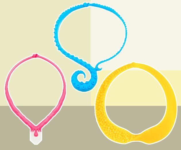 Colares da Mariah Rovery - o amarelo é resultado da parceria com Julia Petit (rosa e azul à venda no OqVestir por R$ 74 e R$ 137 e amarelo por R$ 239)