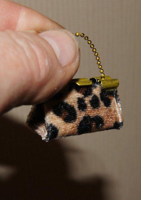 ** Altered Binder Clip Made Into A Decorative Purse @nonomininostalgie