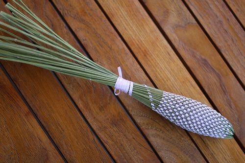 How to make a lavender wand (for use as sachet for dresser or closet)