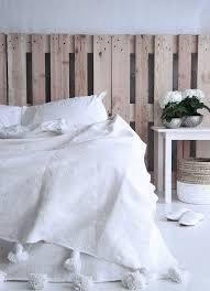 White Berber Blanket with Pom Pom, Handmade Moroccan style,natural Wool, Moroccan bohemian style bedding. Ready for your room di BeaMaroc su Etsy