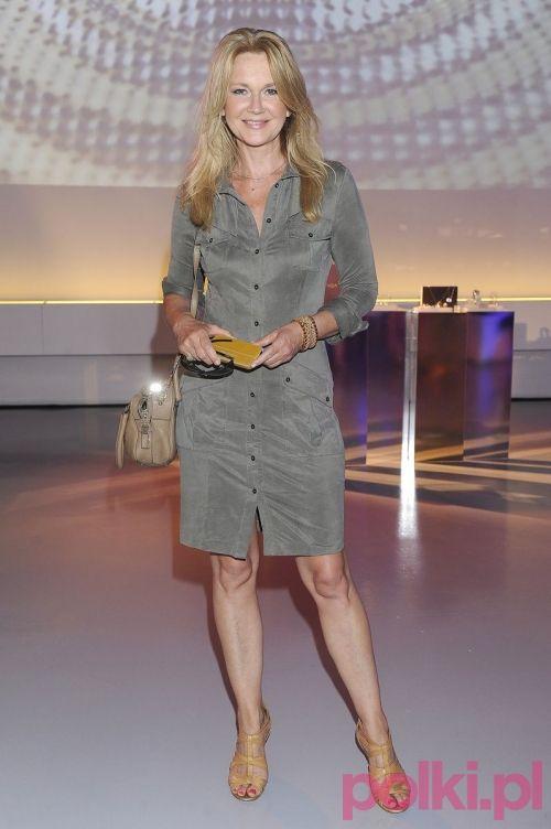 Stylowe Gwiazdy Na Prezentacji Ekskluzywnej Bizuterii Fashionable Work Outfit Skirt Fashion Fashion