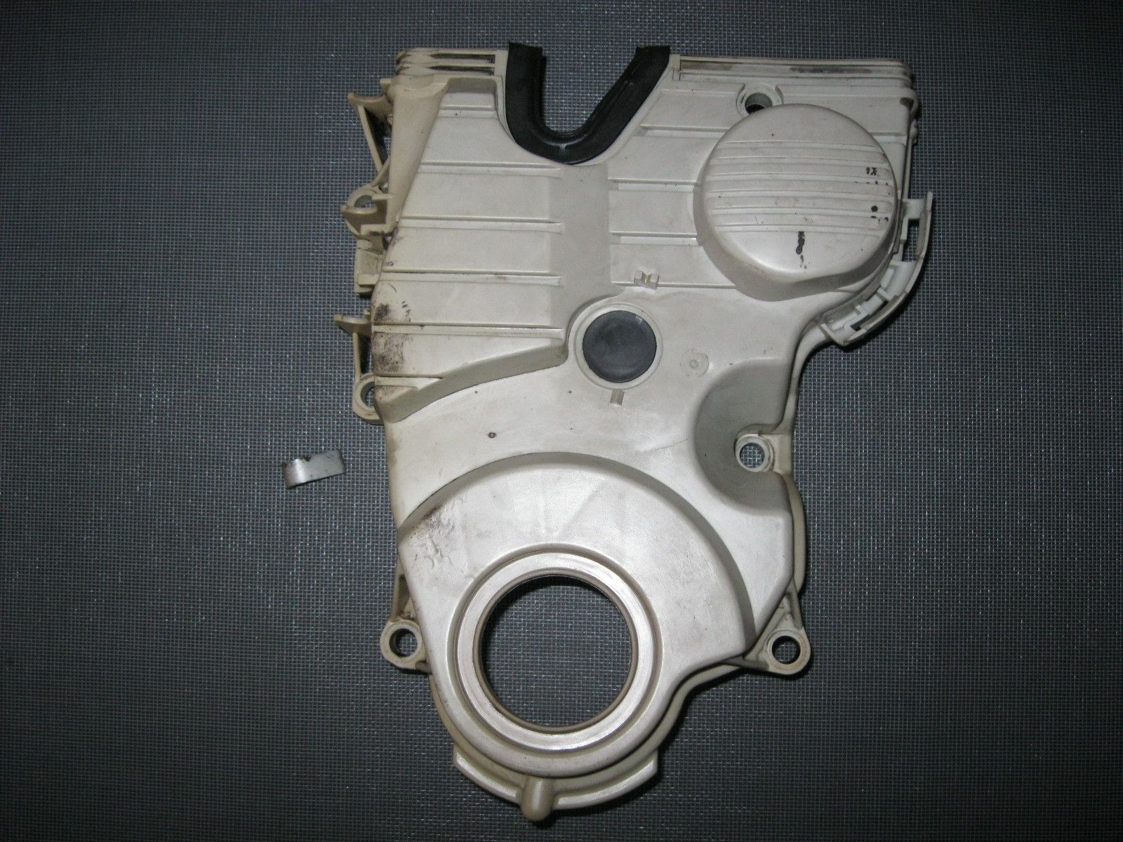 jdm 96 00 honda civic d15b1 none vtec lower timing belt cover [ 1600 x 1200 Pixel ]