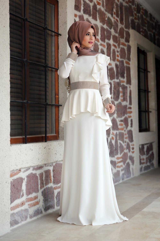 e9a58a60ebdf9 Kiralık Tesettür Gelinlik Modelleri | giyim | Gelinlik, Giyim y Moda