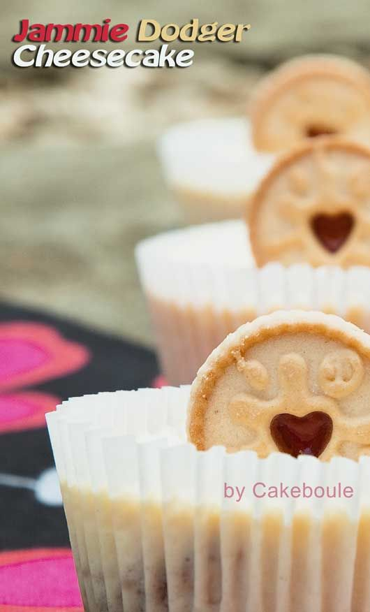 Oh yes Jammie Dodgers and cheesecake - yes! By Cakeboule