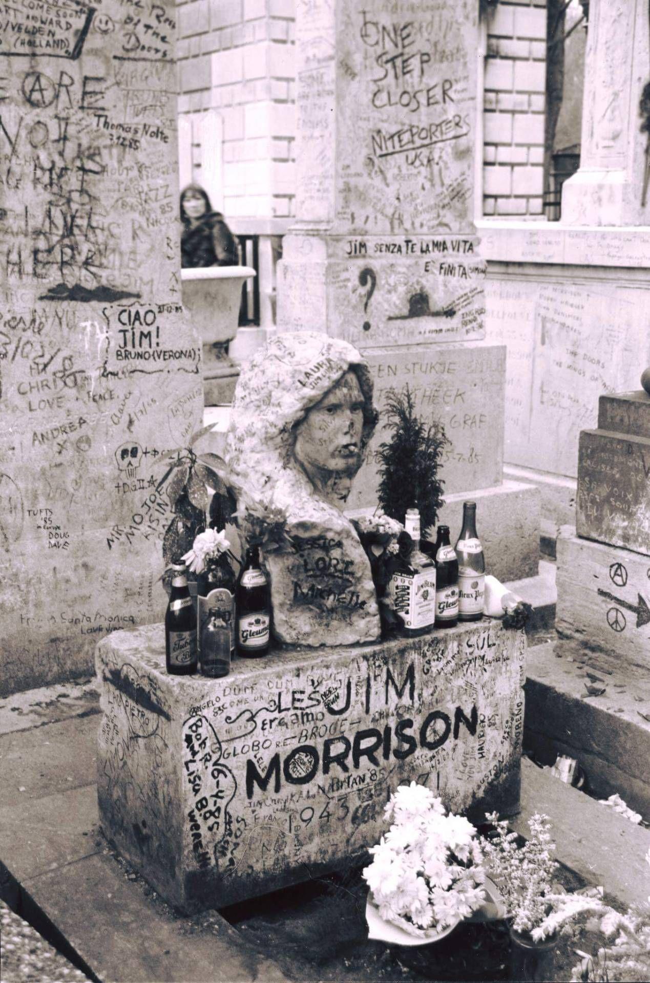 """historium """"Rock Legend Jim Morrison's gravesite"""