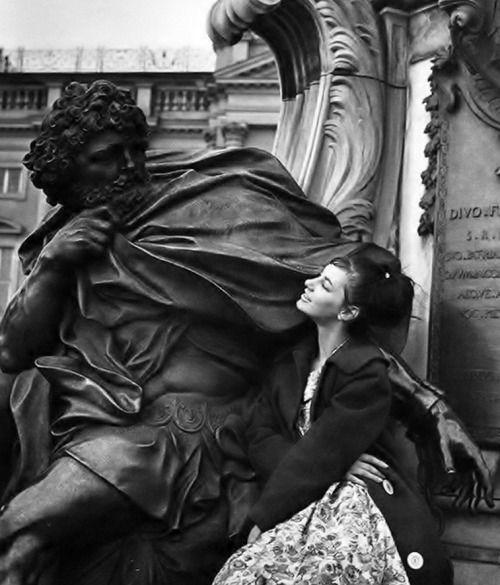Inge Schönthal @ the Charlottenburg Palace in Berlin _ Photo by Rosmarie Pierer, 1950s