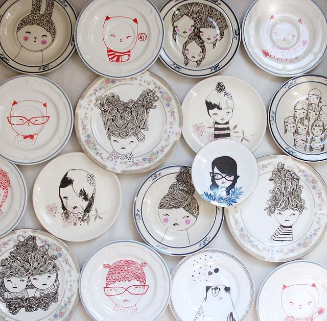 Draw pretty things on vintage plates with a Sharpie, Bake in the oven for 30 mins at 180 celsius! Voila! Awesome artworks! ^_^